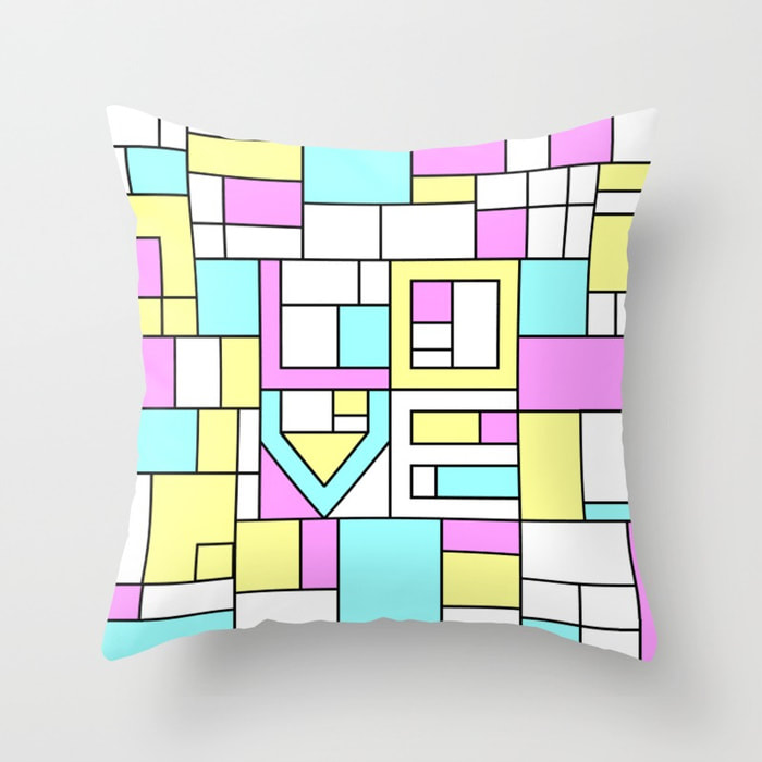 Pillows to fall in love with your sleep over and over again this Valentine's Day